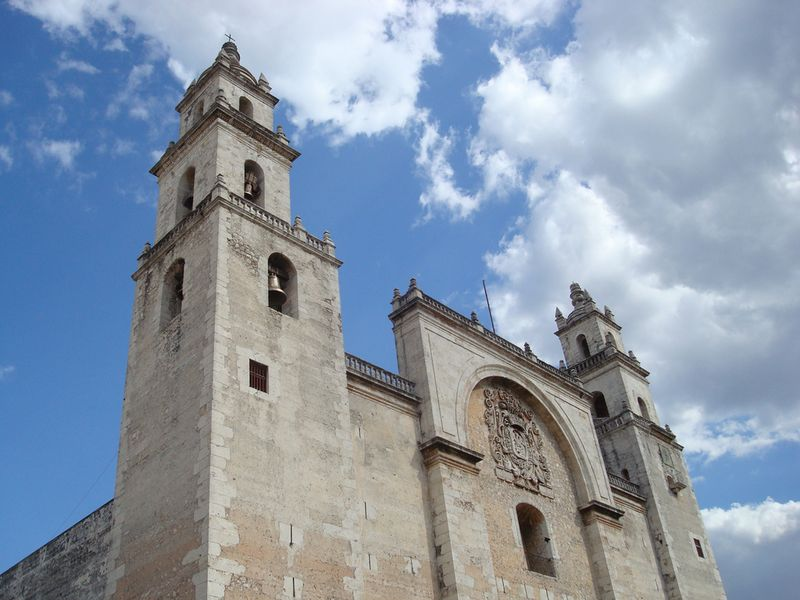 Merida_church